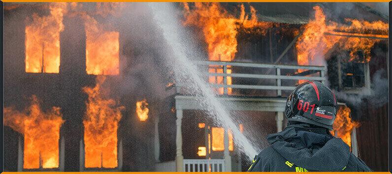 objetivo de este seguro no es otro que cubrir todos los daños y pérdidas materiales